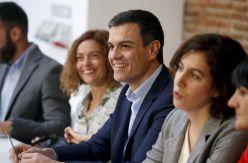 Las renuncias de Chacón y Lozano facilitan a Pedro Sánchez rehacer la lista del PSOE en Madrid
