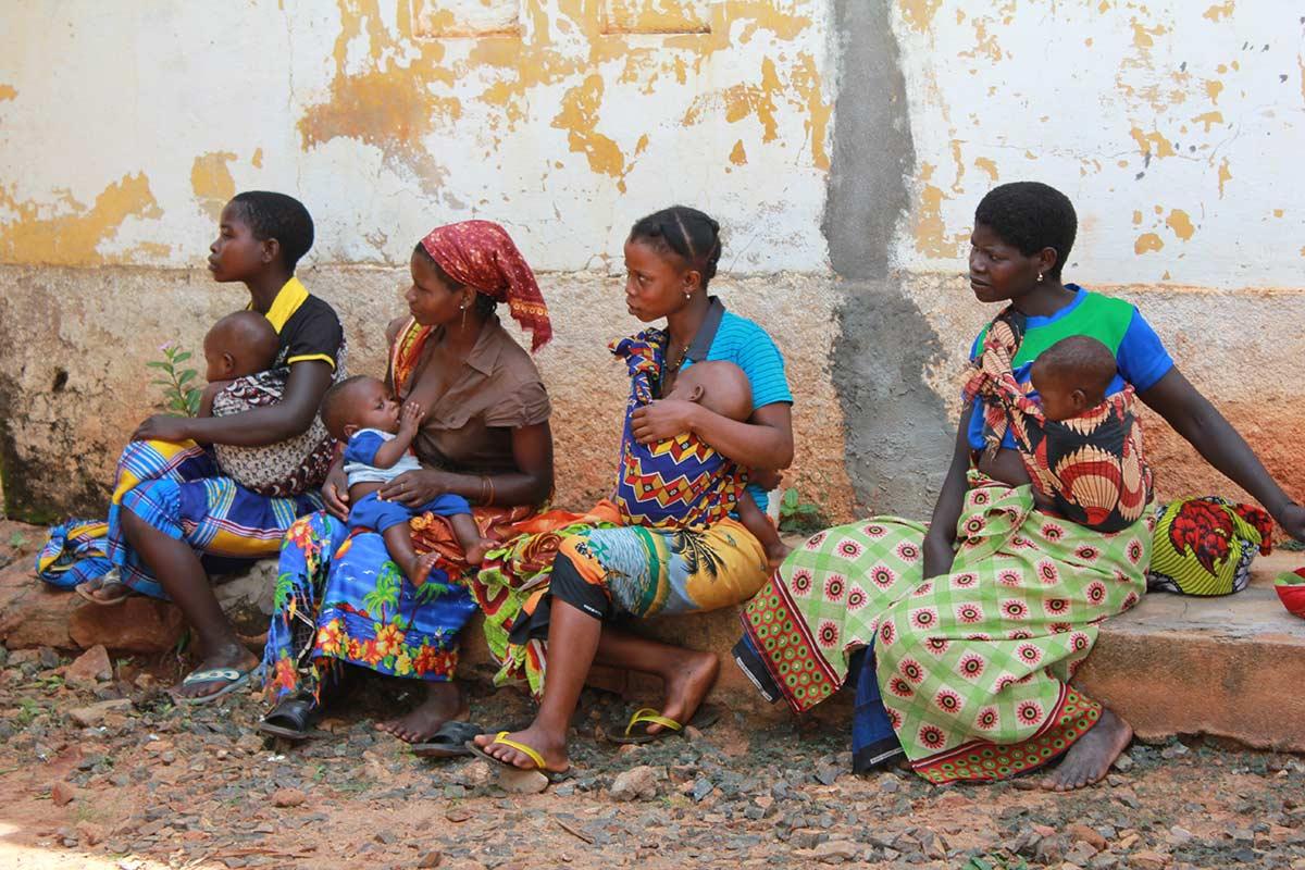 La labor de Ayuda en Acción también ha permitido elevar el nivel de conocimientos sobre prevención y servicios disponibles para la lucha contra la malaria, y mejorar la seguridad alimentaria y nutricional de los niños menores de 5 años y de las personas que viven con VIH/SIDA.