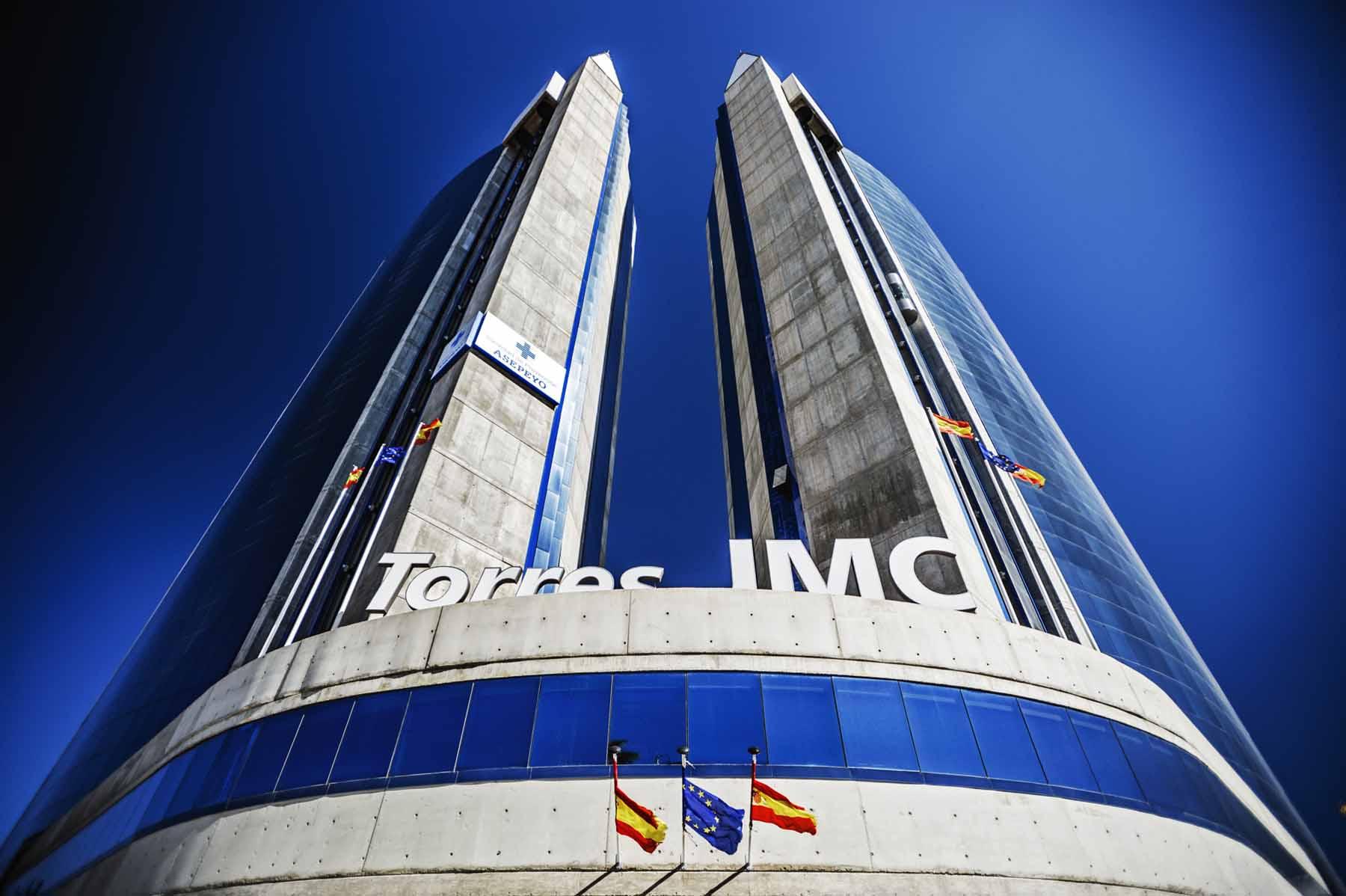 """Torres Gemelas Fuertes, Espacio de Oficinas. (previamente """"Torres JMC"""")."""